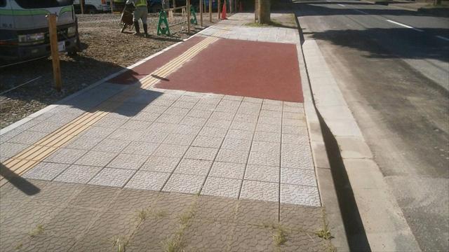 平板ブロック舗装_R